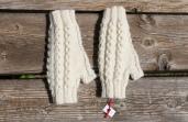 Mitaines tricotées main, écru; 32€100% Alpaga