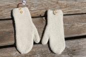 MORZINE: Mouffles tricotées main, écru; 32€100% Alpaga